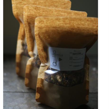 黒糖とナッツのグラノラ