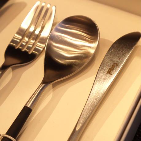 クチポール MIO 「黒×シルバー」ディナーセット(テーブルスプーン・ディナーフォーク・ディナーナイフ)(O)