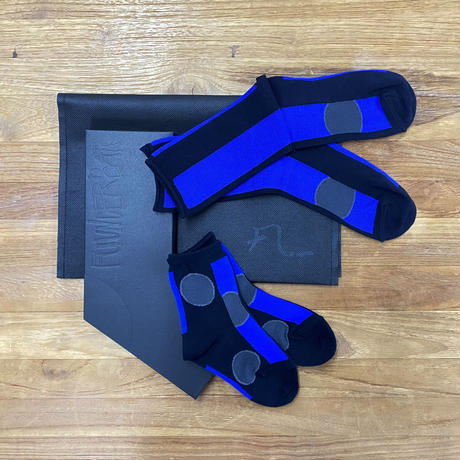 GIFT SET DOTS(FAMILY SOCKS)BLUE