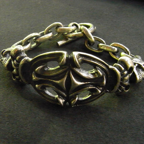 2Skull On Top Sculpted Oval With 2Crown & Chain Links Bracelet[B-101]