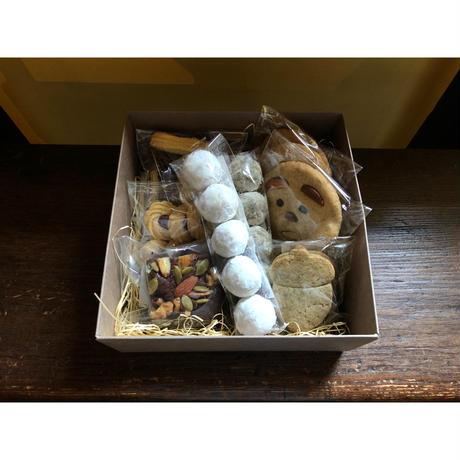 (全国発送可)木の実のブラウニーとクッキーBOX【10/23土発送】