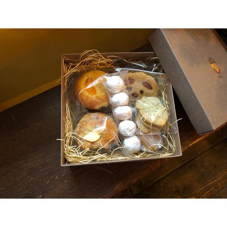 (道内限定)マフィン×1とレモンケーキ×2とクッキー×4 BOX【1/16土発送】