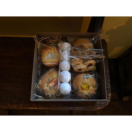 (道内限定)マフィン3種とクッキー×4 BOX【10/23土 発送】