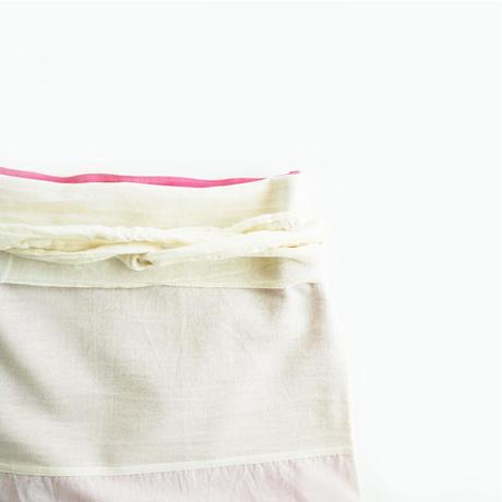 【安藤明子】裾なめらかサロン オフホワイト/墨黒
