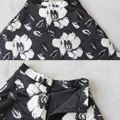 FLOWER  VOLUME  FLARE  SKIRT