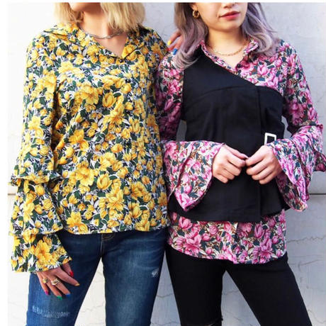 SLEEVE  3FRILL  FLOWER  BLOUSE