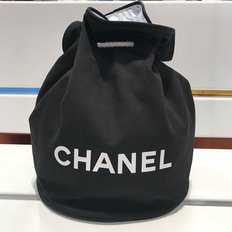 CHANEL NOVERTY POOL BAG BIG