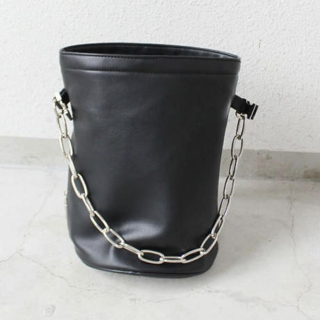 CHAIN BUCKET BAG