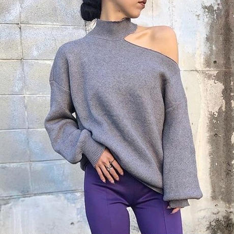 Shoulder cut over knit