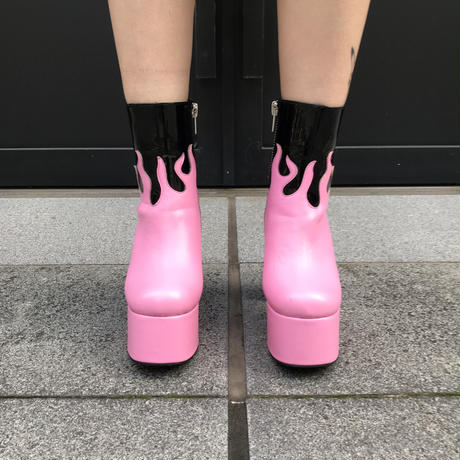 【DOLLS KILL】FIRE BOOTS