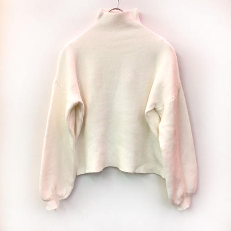 VOLUME SLEEVE HIGH NECK KNIT