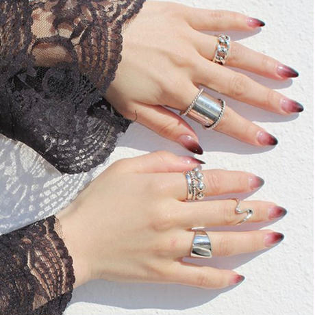 SILVER WIDE HEM RING