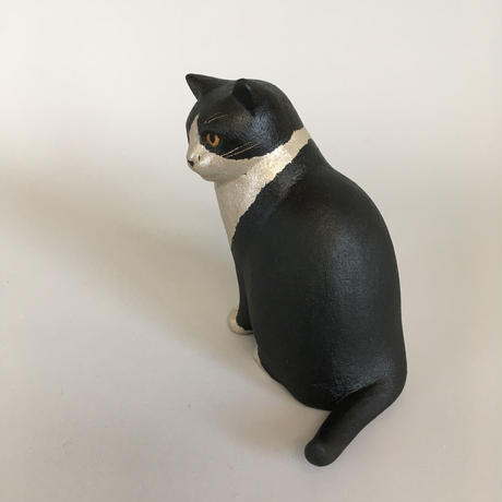 えのきえみ 乾漆器と卓上猫「こっそり」