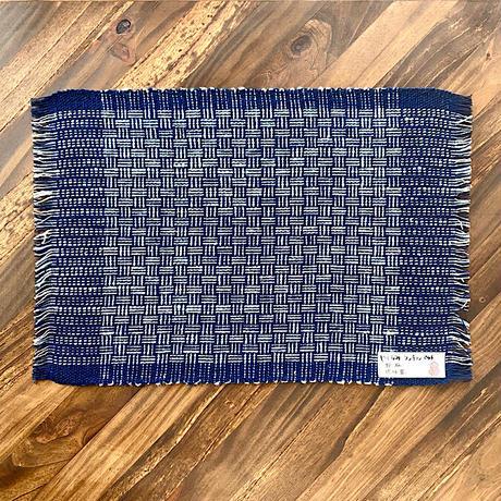 【琉球藍】大人の食卓に似合う琉球藍やしらみ織のランチョンマット