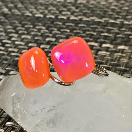 ガラスのイヤリング・オーロラオレンジ