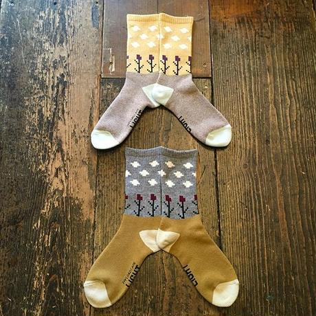 [MY LOADS ARE LIGHT] K.E.W  SOCKS