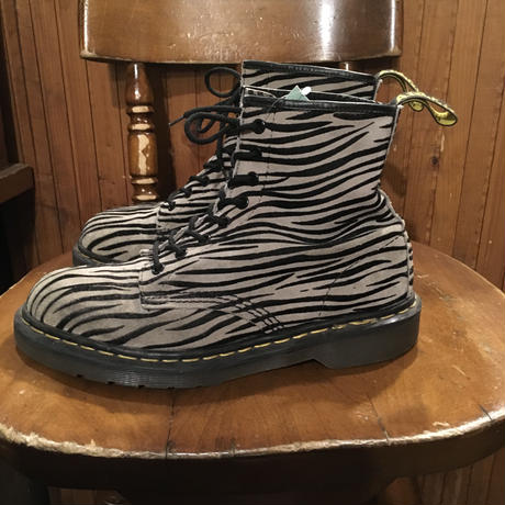 [USED] Dr.Martens 8HOLE - ゼブラ SUEDE