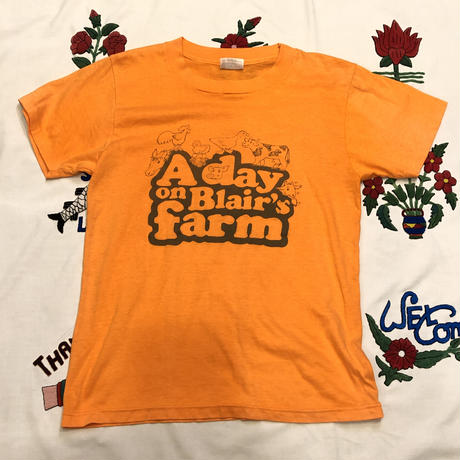 "[USED] 🐖""A day on Blair's farm"" Tee 🐄"