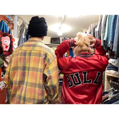 """[USED] """"BULLS"""" RED スタジャン"""
