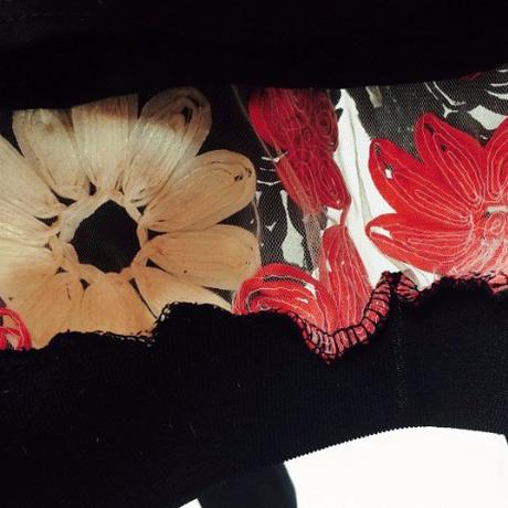 刺繍花シースルートップス キャミソール付き 3Color