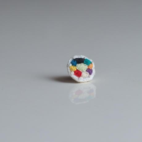 刺繍の宝石ピアス〈サークル-1〉