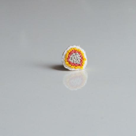 オーダー制作☆刺繍のピアス〈つぶつぶオレンジ〉