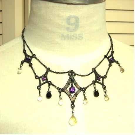 ダイヤ型 ネックレス