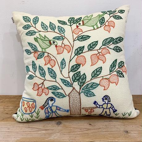 Sujini Cushion Cover 43*43 (Tree of life and lovers) White