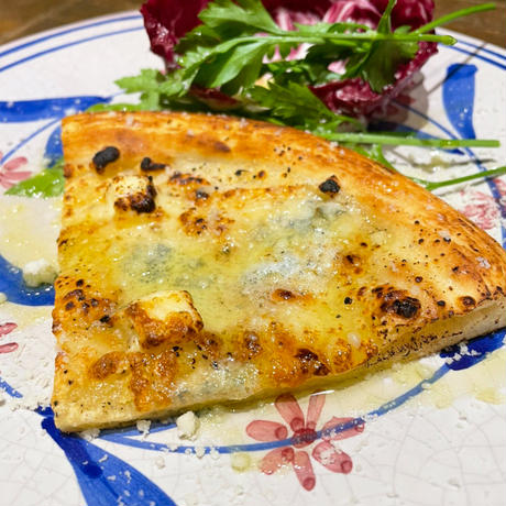 4種のチーズピザ/TRATTORIA BUBU