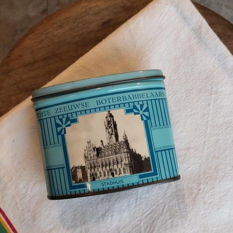 オランダの老舗キャンディー屋さんの缶 楕円