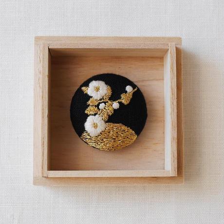 Mayumi Tomita 手刺繍ブローチ 白椿