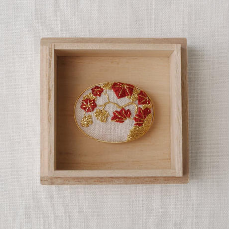 Mayumi Tomita 光琳図案刺繍帯留 紅葉