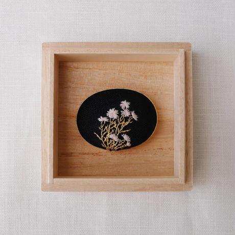 Mayumi Tomita 光琳図案刺繍帯留 河原撫子