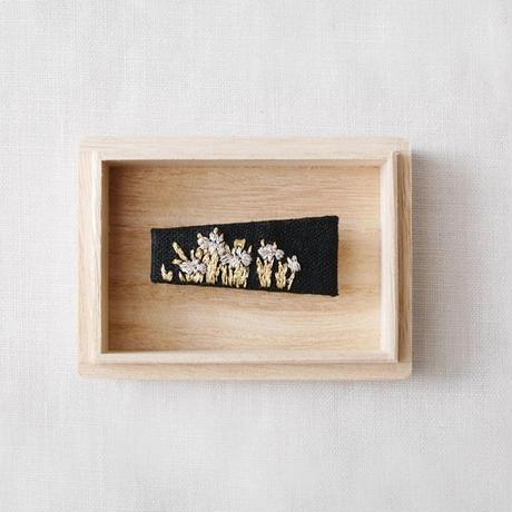 Mayumi Tomita ×Hidetoshi Mito design 燕子花図手刺繍帯留