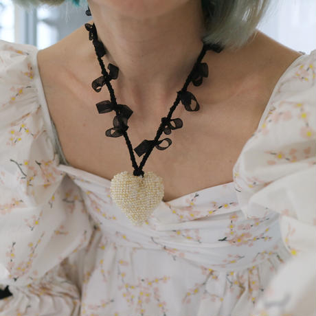 Big Heart Necklace Pearl/Black