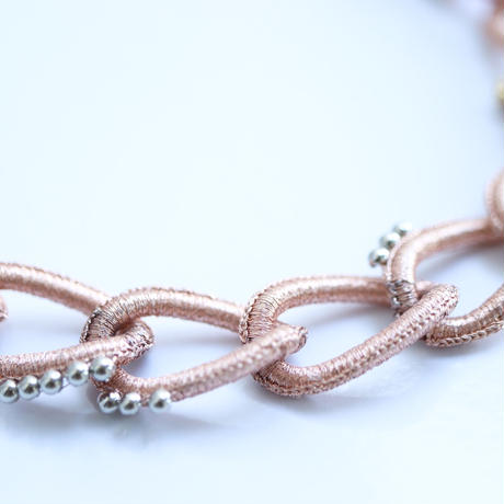 CHANE NECKLACE  Salmon Pink