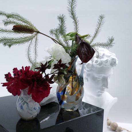 """vintage flower vase""""V""""."""