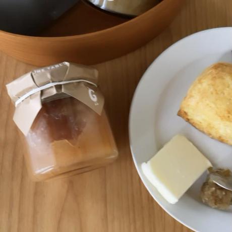 月替わり  シンプルスコーンとお茶とジャムを楽しむセット