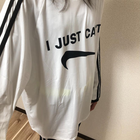 JUST CAN'T  Long T-shirt