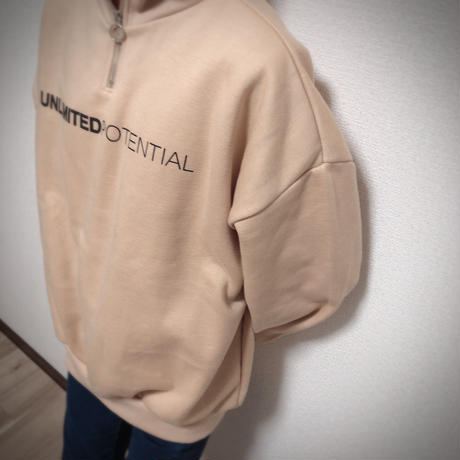 UNLIMITED zip-up sweat