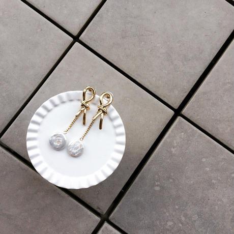 【Gold Ribbon and Pearl】ピアス