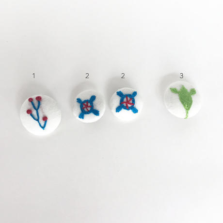ハンドメイド刺繍 ボタン(中)