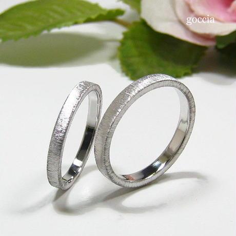 平打ちの結婚指輪、シルクサテン仕上げ(159-la、160-me)