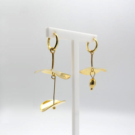 【BONVO】Calyx hoop earrings