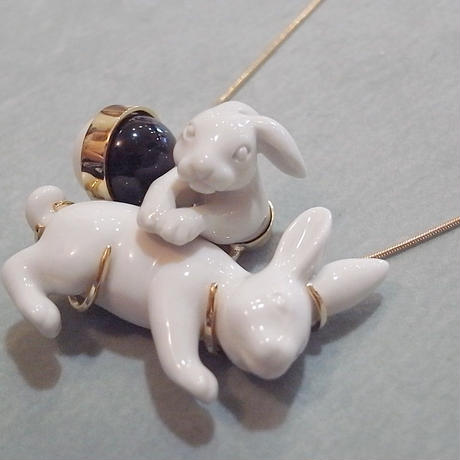 【ANDRESGALLARDO】 RABBIT COUPLE BALLOON Necklace