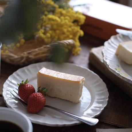 【4月29日発送分】4月20日〜4月26日予約販売期間 ハーフサイズ¥1900  チーズテリーヌ