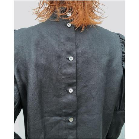 ERiKO KATORi 「linen puff sleeve blouse」black.