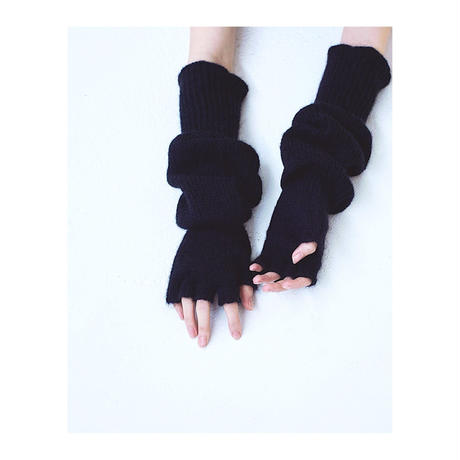 TAN.「FINGERLESS GLOVES」