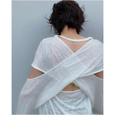 ERiKOKATORi「backless linen T-shirts」WHT.