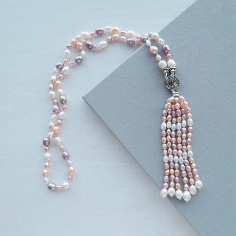 Tassel Pearl Necklace / Pink